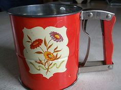FLOUR SIFTER- ANDROCK HAND-I-SIFT 3 SCREENS -RED- WILDFLOWERS ON SIDES-NICE!!
