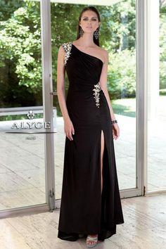Foto 5 de 15 Traje de fiesta negro con escote asimétrico a sensual abertura en la falda | HISPABODAS
