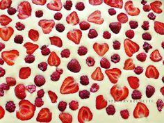 Raspberry, Strawberry, Pepperoni, Pizza, Fruit, Food, Basket, Essen, Strawberry Fruit