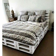 100 DIY recycled pallet bed frame designs - simple pallet DIY Pallet Bed Frame Designs - Simple Pallet Ideaseclectic living room design ideas, boho chic bohemianlivingroom - new ideas Pallet Decor, Room Ideas Bedroom, Bed Design, Home Bedroom, Pallet Beds, Bedroom Diy, Home Decor, Pallet Furniture Bedroom, Room Decor Bedroom