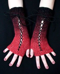 Fingerless Gloves --- these are the most beautiful fingerless gloves I've seen!!