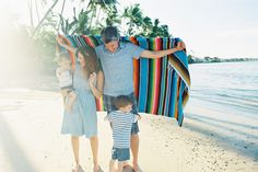 ashlee family at baby beach lahaina by maui photographer wendy laurel