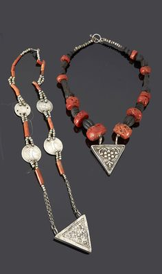 Algeria - Grand Kabylie | Necklaces; silver, coral and dark brown / black beads | 595€ ~ Sold (May '15) Tribal Necklace, Tribal Jewelry, Jewelry Art, Beaded Jewelry, Jewelry Accessories, Handmade Jewelry, Jewelry Design, Ancient Jewelry, Antique Jewelry