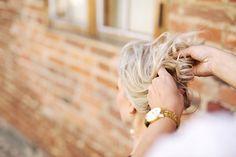 Hiusvita on ravintolisä ja hiusvatiimini hiusten hyvinvoinnille. Hiusten kasvuun, hiusten lähdön ehkäisyyn, limakalvoille ja päänahan terveydelle kehitetty tehokas hiusravintolisä.