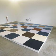 Ulla von Brandenburg    Vue d'exposition // Exhibition view    Karo Sieben (Seven of Diamonds), 2007  Karo Sieben, art: concept, Paris, 2007