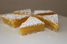 Buttery shortbread crust with a smooth and tart lemon and limoncello filling