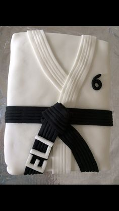 Like the name on the belt. Could add gold stripe too. [Karate Birthday Cake]