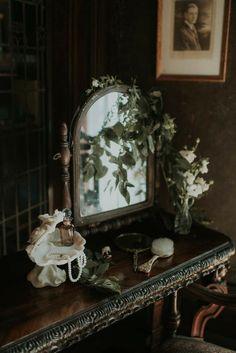 Hogwarts, Book Aesthetic, Aesthetic Pictures, Dark Green Aesthetic, Slytherin Aesthetic, Princess Aesthetic, Belle Photo, Aesthetic Wallpapers, Light In The Dark