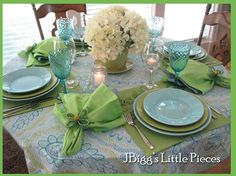 Tablescapes for Baby Shower | ... Gender Neutral Baby Shower / Beautiful tablescape of aqua and lime