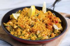 Paella uunissa | Meira Paella, Fried Rice, Fries, Food And Drink, Ethnic Recipes, Stir Fry Rice