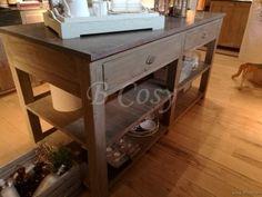 ll-kitch02b-keukenblok keukeneiland landelijke cottage stijl in oud verouderd dennenhout