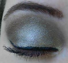 Base: Bronze Shimmer Blending: Silver Shimmer  Accent: Gold Shimmer and Garnet  Liner: Black EyeSense  Mascara: Black LashSense Brows: BrowSense; Match to brow color