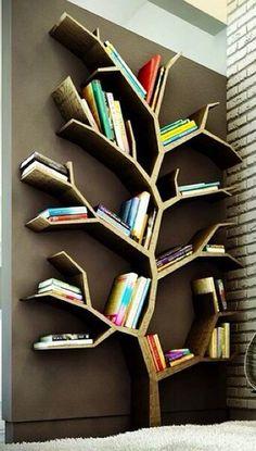 Eeeep! A bookshelf shaped like a tree... So amazing! I want, I want, I want