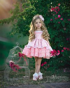 My favorite blue eyes😍 , , , Yellow Flower Girl Dresses, Cute Girl Dresses, Cute Little Girls Outfits, Kids Outfits, Toddler Fashion, Kids Fashion, Cute Kids Photography, Classic Photography, Beautiful Dress Designs