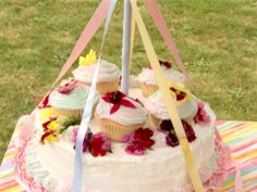 May Day Centerpiece Cake Recipe : Sandra Lee : Food Network - FoodNetwork.com