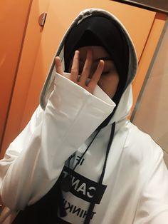 Ootd Hijab, Girl Hijab, Hijab Outfit, Arab Girls, Muslim Girls, Friend Tumblr, Profile Pictures Instagram, Anime Muslim, Fake Girls