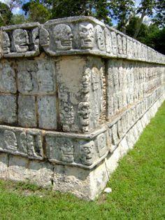 Chichen-itza Mayan Symbols, Viking Symbols, Egyptian Symbols, Viking Runes, Ancient Symbols, American Indian Tattoos, Chicano Tattoos, Aztec Art, Mesoamerican