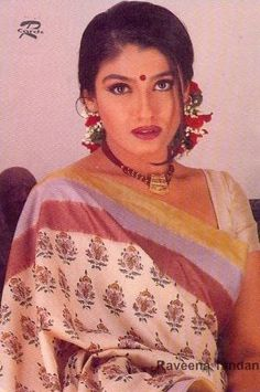 Most Beautiful Bollywood Actress, Vintage Bollywood, Madhuri Dixit, Bollywood Stars, Indian Actresses, Asian Woman, Beauty Women, Asian Beauty, Movie Stars