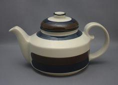 Arabia, teekannu, Kaira, Anja Jaatinen-Winqvist Finland, Tea Pots, Porcelain, Lingerie, Tableware, Vintage, Design, Porcelain Ceramics, Dinnerware