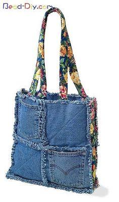 Denim Chic Bag Pattern - Wholesale Purse Patterns, Purse Patterns at wholesale prices for quilting shops, craft stores, and fabric shops. Patchwork Bags, Quilted Bag, Bag Quilt, Rag Quilt Purse, Sacs Tote Bags, Diy Sac, Denim Purse, Denim Crafts, Old Jeans