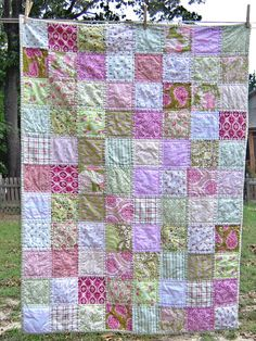 Adorable baby quilt.  Easy to make.  Great for a beginner.