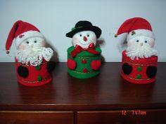 MANUALIDADES OMA TEL: 235 82 51 CELULAR: 300 470 52 89 Medellín Christmas Crafts, Christmas Decorations, Xmas, Christmas Ornaments, Holiday Decor, Baby Boots, Elf On The Shelf, Diy And Crafts, Santa