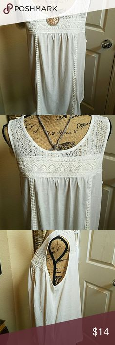 Sonoma Lace Print Tank Darling tank top by Sonoma. It has white lace on bodice on the back and trim. Will look great with a denim jacket. It is 85% polyester with 15% linen contrast and just precious. Brand new with tags Sonoma Tops Tank Tops