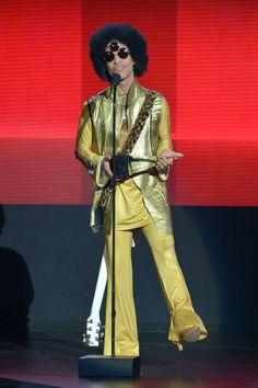 """Prince lors des """"American Music Awards"""" à Los Angeles, le 22 novembre 2015"""