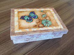 Porta jóias em MDF, flocado internamente, www.ideiasartesanato.com.br