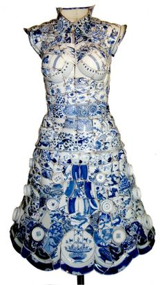 Li Xiaofeng makes beautiful clothes / sculptures out of shattered porcelain