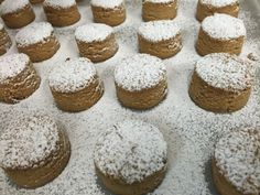 Mantecaditos, Merry Christmas, Xmas, Spanish Food, Spanish Recipes, Brownie Cookies, Cake Recipes, Biscuits, Muffin