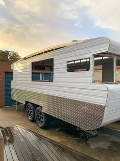 Our complete step by step guide explaining exactly how we renovated the outside of our vintage caravan, including the chassis, cladding and windows.