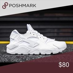 White huaraches Size 7.5 kid boys. I wear a 8 in women and they fit perfect. Clean and only worn 2 times for less than an hour each time. Nike Shoes Sneakers