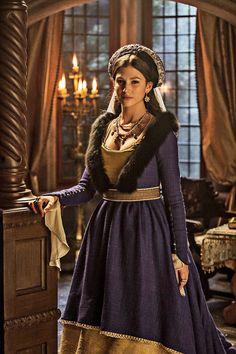 "IsabelUrsula Corbero as Marguerite of Habsburgo, Princess of Austria in ""Isabel""."
