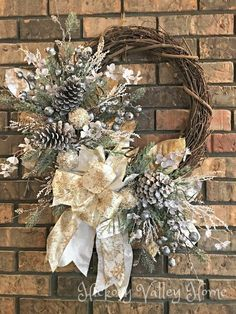 Christmas Wreath Holiday Wreath Elegant Wreath Winter Wreath Silver and Gold Front Porch Decoration Door Mantel or Wall Holiday Décor Christmas Family Feud, Christmas Porch, Silver Christmas, Elegant Christmas, Outdoor Christmas Decorations, Christmas Crafts, Handmade Christmas, White Ornaments, Christmas Printables
