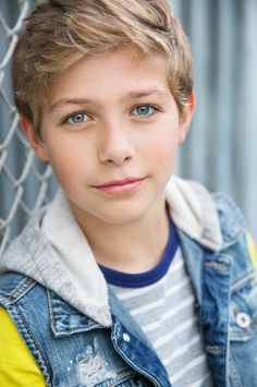 KIDS - Location - Headshot Photography by Brandon Tabiolo Teen Boy Photography, Headshot Photography, Teen Boy Haircuts, Boy Hairstyles, Hairstyle Men, Formal Hairstyles, Blonde Hair Boy, Blonde Boys, Model Headshots