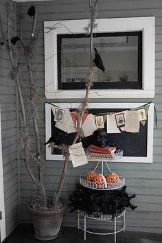 Great ideas for decorating the porch for #Halloween!