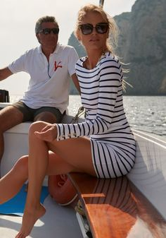 Sail into Summer with this chic striped mini dress from beachwear designer Melissa Odabash. The timeless piece features horizontal blue stripes, a round neck, long sleeves and is finished with gold button details on the cuff and shoulders. Nautical Outfits, Nautical Fashion, Sailing Outfit, Boating Outfit, Mode Outfits, Casual Outfits, Fashion Outfits, Fashion Tips, Fashion Trends