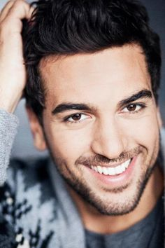 Elyas M'Barek (May German actor. Beautiful Men Faces, Beautiful People, Rapper, Photography Poses For Men, Mans World, Male Face, Man Crush, To My Future Husband, Bearded Men