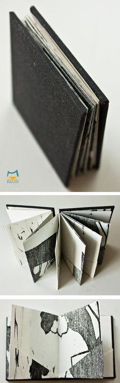 Kleines Leporello Buch mit Holzschnitt fehldrucken gebunden.