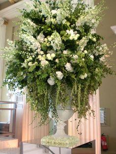 URN ARRANGEMENTS - OLIVIER DOLZ-FRENCH WEDDING PLANNER IN DUBAI  (13)