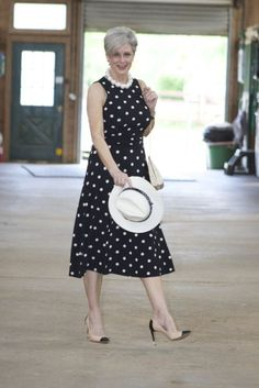 15 Fabulous Kentucky Derby Women's Hats and Fashion Outfit Inspirations Over 60 Fashion, Over 50 Womens Fashion, Fashion Over 50, Kentucky Derby Outfit, Mode Ab 50, Derby Outfits, Special Occasion Outfits, Occasion Dresses, Party Dresses