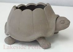 Pics Clay sculpture turtle Suggestions Handbuilding Pottery Projects Ideas and Pictures Art Studio in Stamford CT Excellent Pics Clay sculpture turtle Suggestions Handbu. Clay Pinch Pots, Ceramic Pinch Pots, Ceramic Clay, Clay Art Projects, Ceramics Projects, Clay Crafts, Ceramics Ideas, Hand Built Pottery, Slab Pottery