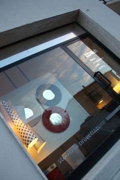 Studio IDEA di Marcello Gennari a Pesaro, Marche. L'ingresso di via Kolbe. www.marcellogennari.it