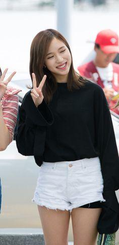 TWICE - Mina Baby Penguins, Myoui Mina, Airport Style, Airport Fashion, Nayeon, White Shorts, Blouse, Tops, Penguin