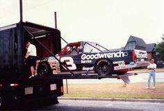 #3 Chevrolet Silverado driven by Mike Skinner for Richard Childress Racing in the NASCAR truck series.)