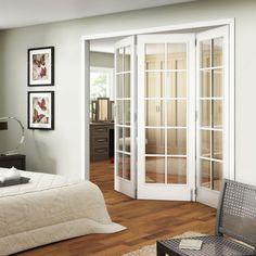 chambre à coucher et portes pliantes vitrées d'intérieur