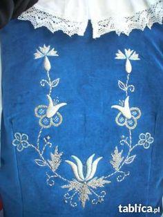 strój kaszubski kolor niebieski