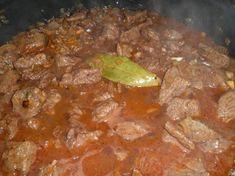 RECETAS DE COCINA: Gulasch tradicional Dani, Mexican Food Recipes, Buffet, Food And Drink, Beef, Flower, Cooking Recipes, Traditional, Cook
