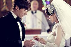 Song Ji Hyo and Choi Jin-Hyuk starring in Emergency Couple Korean Boy, Korean Couple, Time In Korea, Emergency Couple, Choi Jin Hyuk, Medical Drama, Songs, Couple Photos, Couples